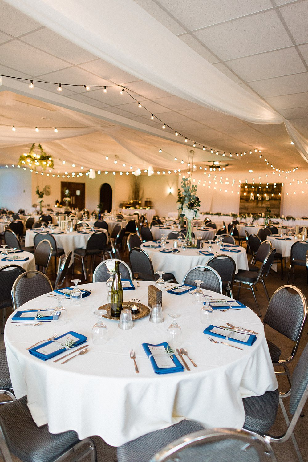 North_Central_Wisconsin_Event_Wedding_Venues_Fall_Weddings_The_Bailiwick_Venue_James-Stokes-Photography089.jpg