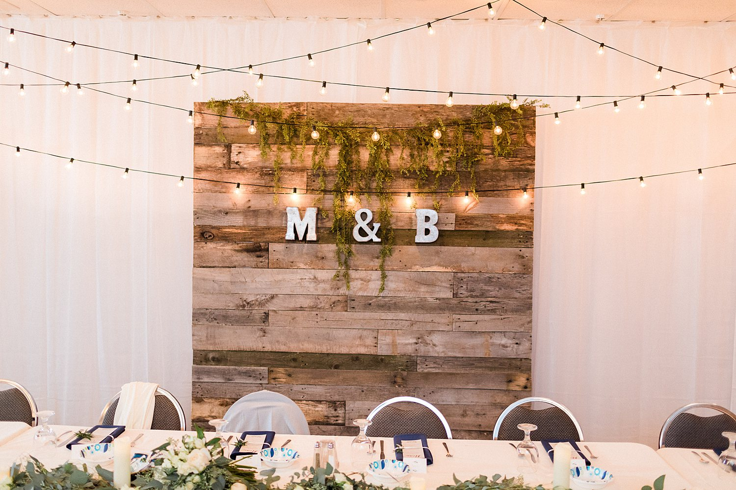 North_Central_Wisconsin_Event_Wedding_Venues_Fall_Weddings_The_Bailiwick_Venue_James-Stokes-Photography099.jpg
