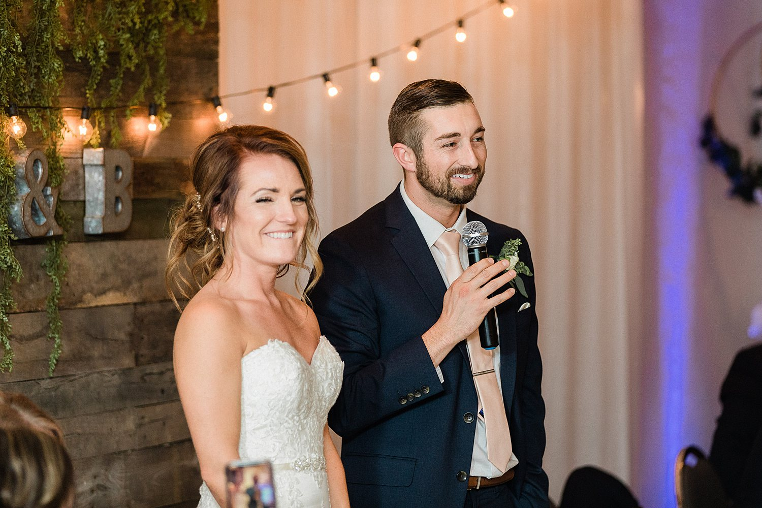 North_Central_Wisconsin_Event_Wedding_Venues_Fall_Weddings_The_Bailiwick_Venue_James-Stokes-Photography101.jpg