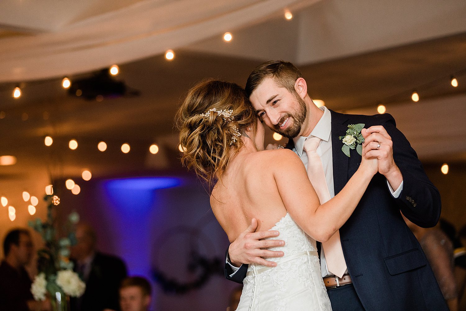 North_Central_Wisconsin_Event_Wedding_Venues_Fall_Weddings_The_Bailiwick_Venue_James-Stokes-Photography105.jpg