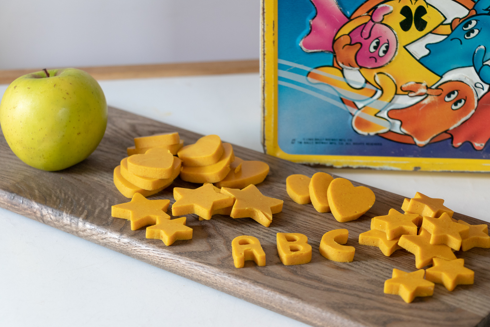 These cheddar cheese shape are the perfect back to school snack. The fun shapes are sure to be a hit, and making this cheese with coconut milk makes it a great alliterative for those with nut allergies.