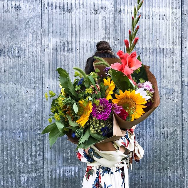 Summer bouquet's are ready for today's pop-up! Stop by from 3-5 today  @paintedhousetn in Cookeville for a mix of fresh flowers from the farm!