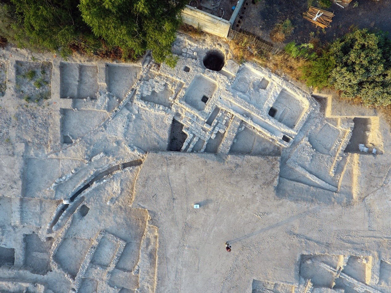 The Byzantine pool and the water channels. Photo: Yitzhak Marmeshltein, IAA