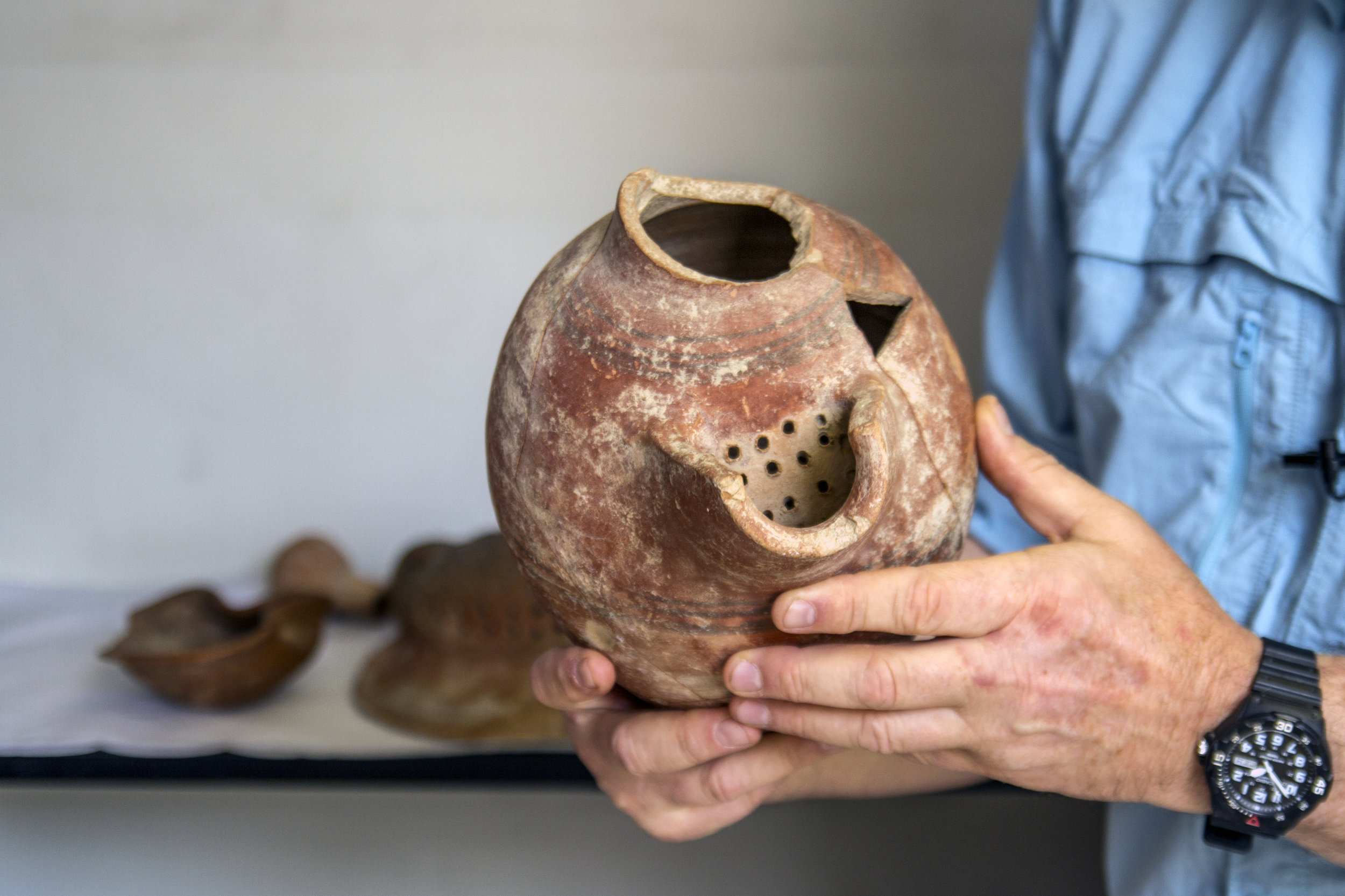 A beer from the excavations of Tel Tzafit / Gat, from which a Philistine beer was produced.  Photo: Yaniv Berman, courtesy of the IAA.