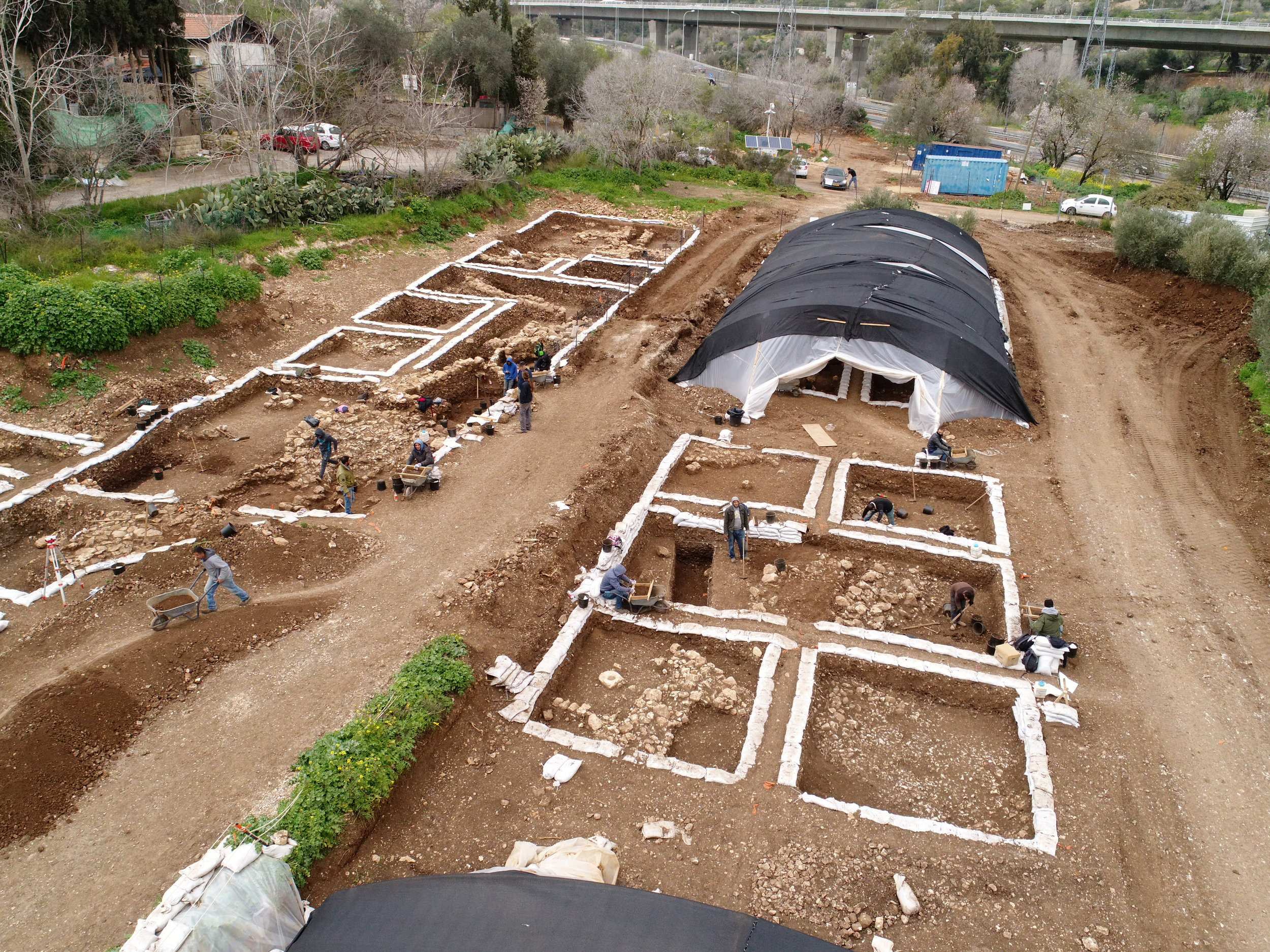 Excavations at the massive Neolithic settlement.  Photo: Eyal Marco, Courtesy of the IAA.