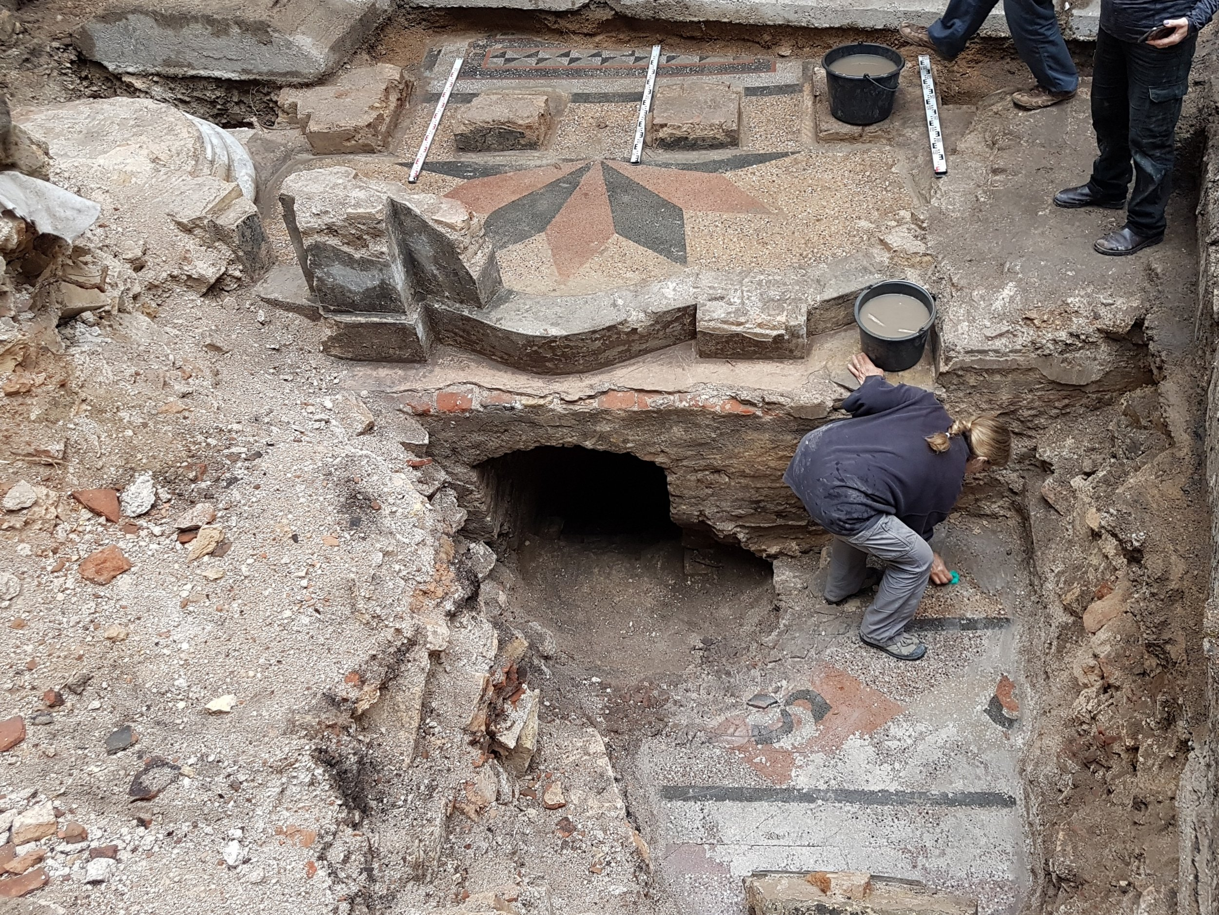 Excavation of the synagogue.