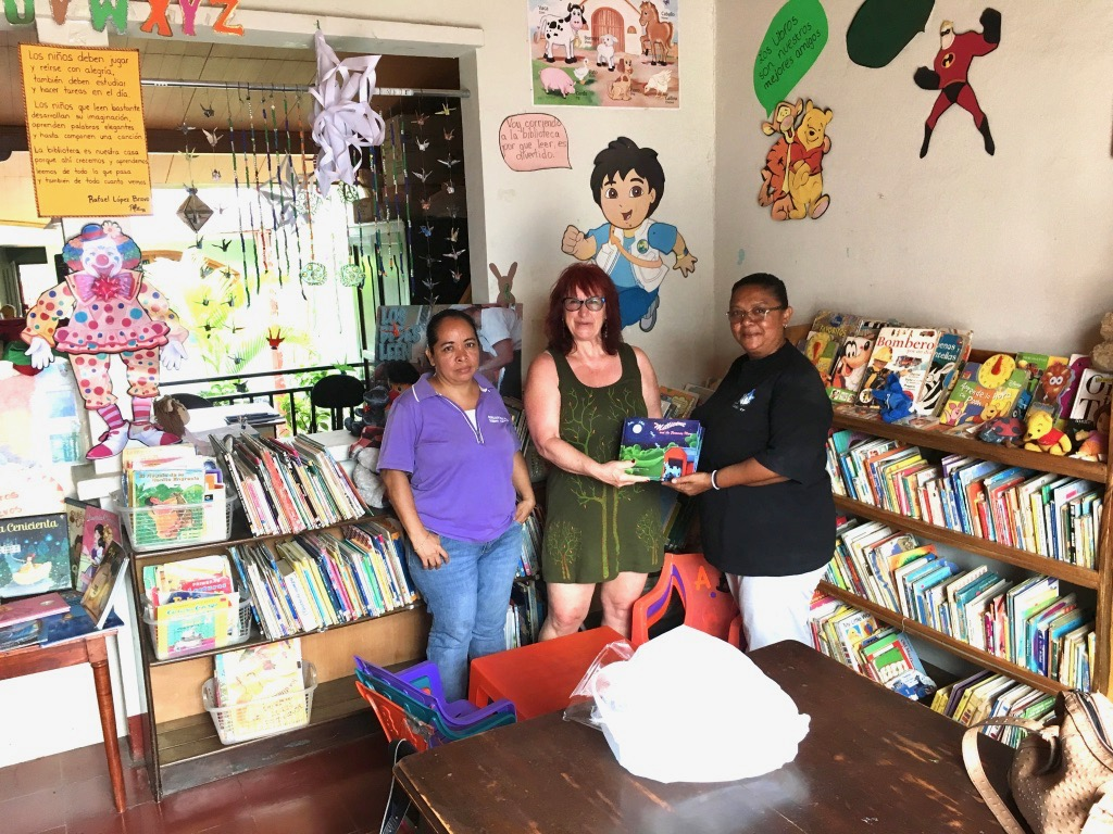 Donating some of my childrens books to Puedo Leer