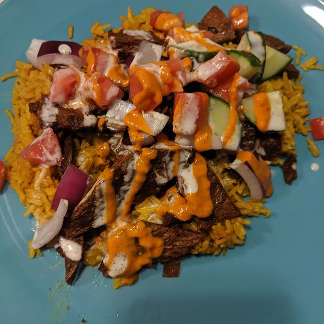 Halal cart-style TVP over rice with hot and white sauce #vegan #hotsaucewhitesauce