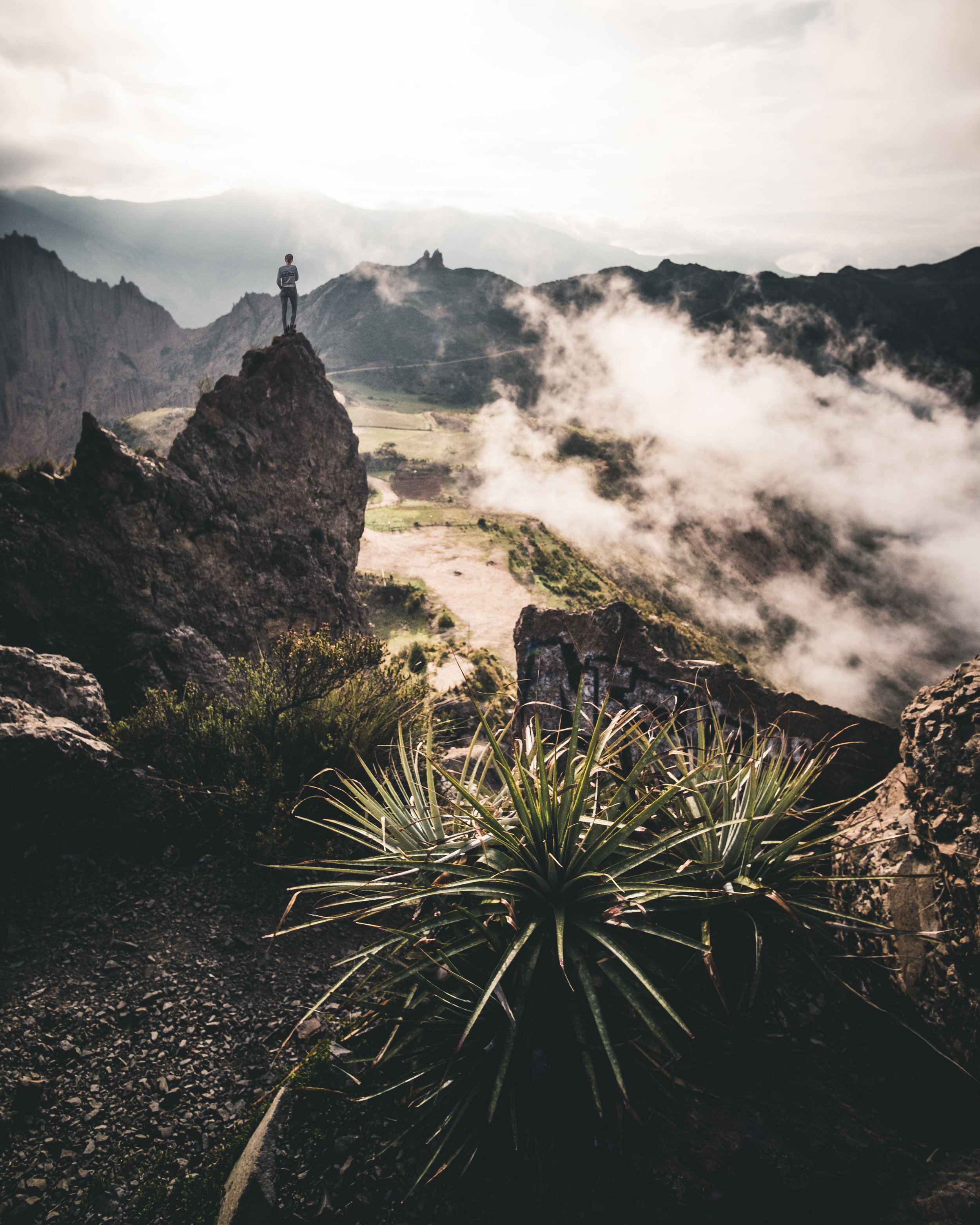 Sunrise on top of Muela del Diablo | La Paz