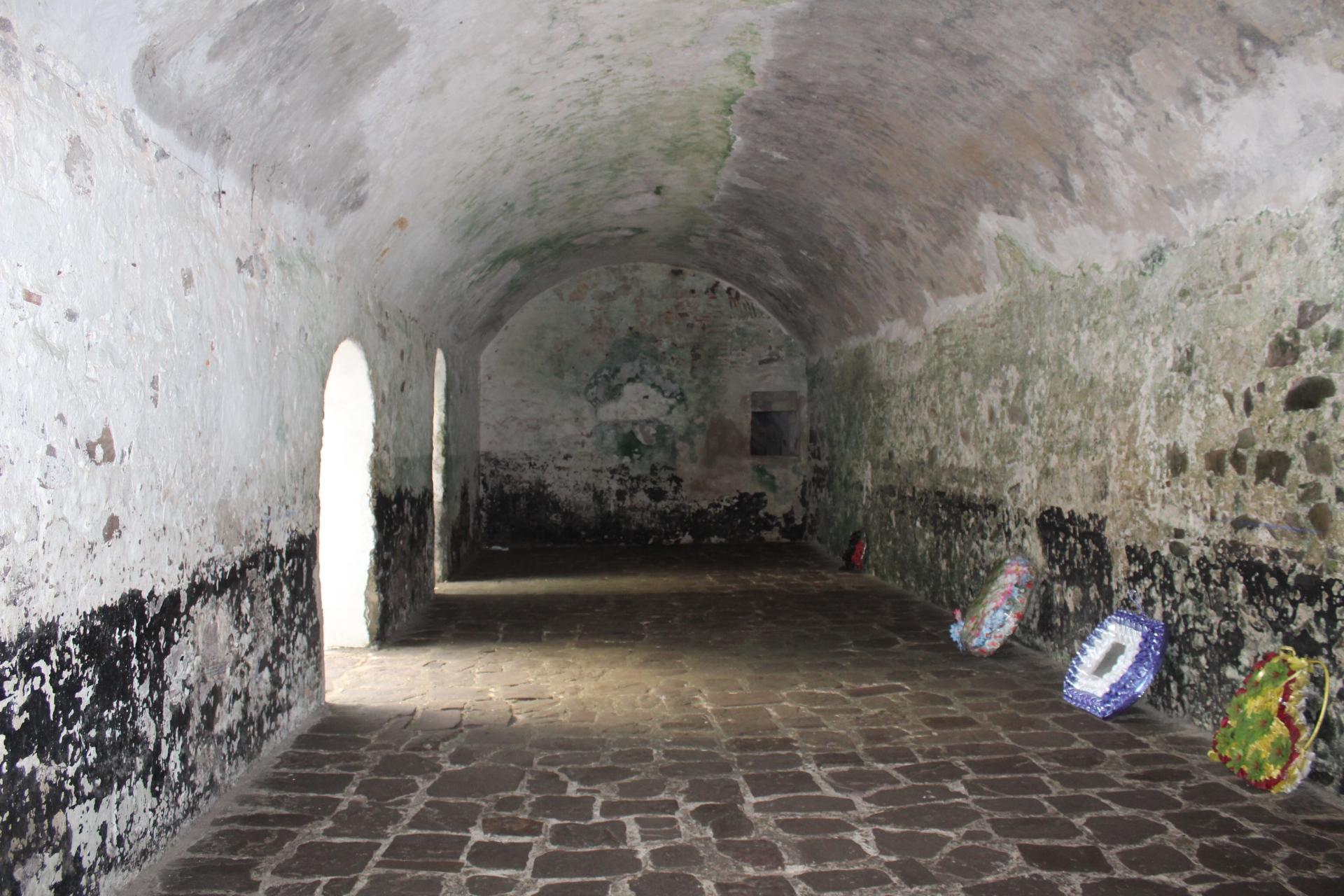 Elmina castle slave dungeon