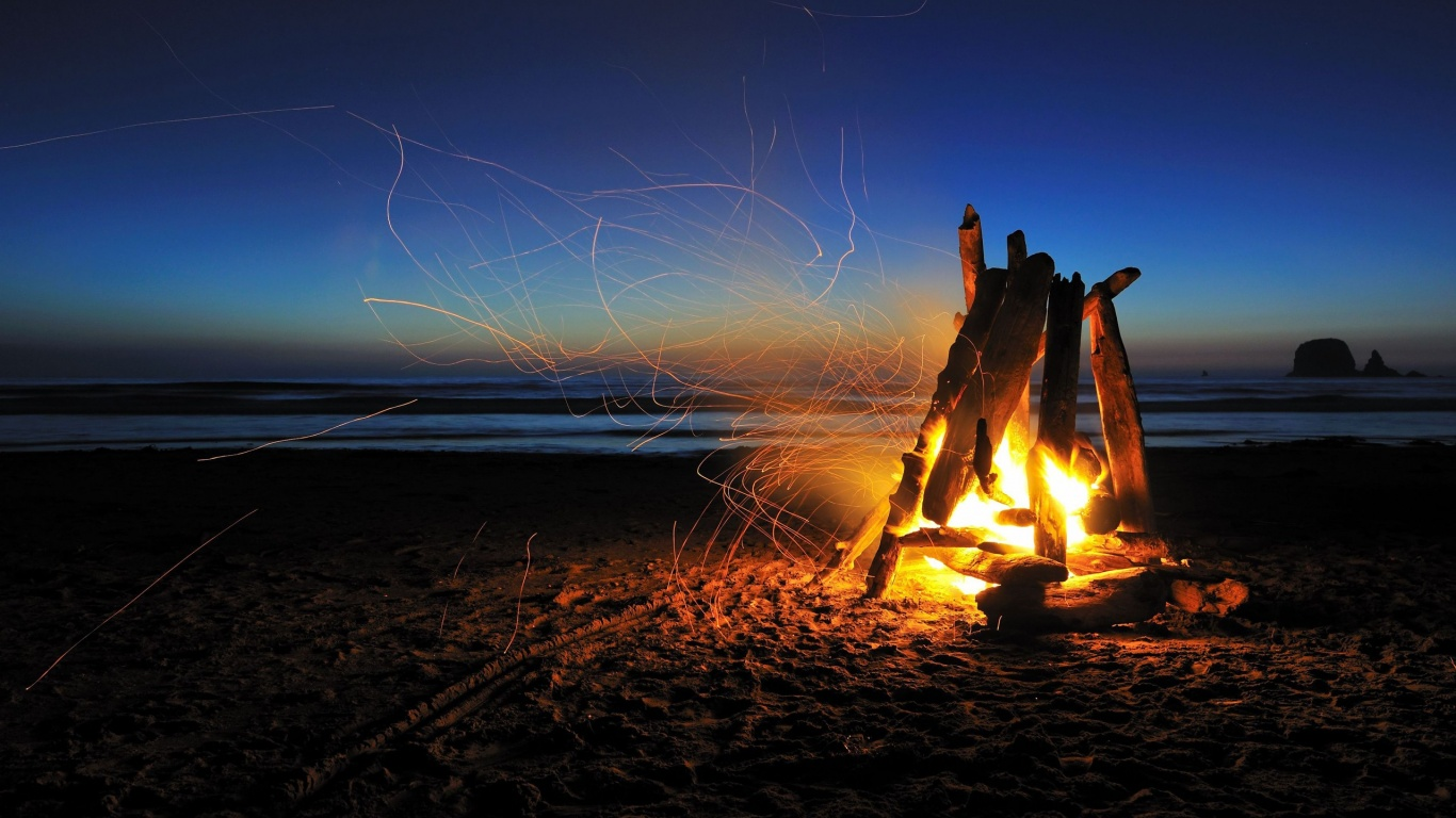 Fire-on-The-Beach-Wallpaper-PC-8110.jpg