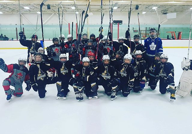 @theliwarriors and #nextstagehockey come together for a friendly and very competitive exhibition game #theliwarriors #nextstagehockey #fortheloveofthegame #usa #canada #hockeylife 🇺🇸 🇨🇦
