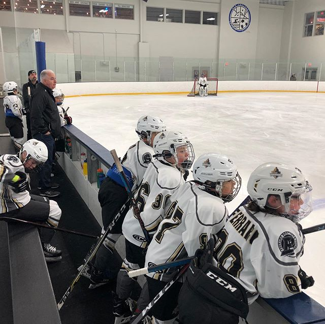 @theliwarriors ready to roll at the @bcselectshockey tournament #theliwarriors #fbhockey #letsgo