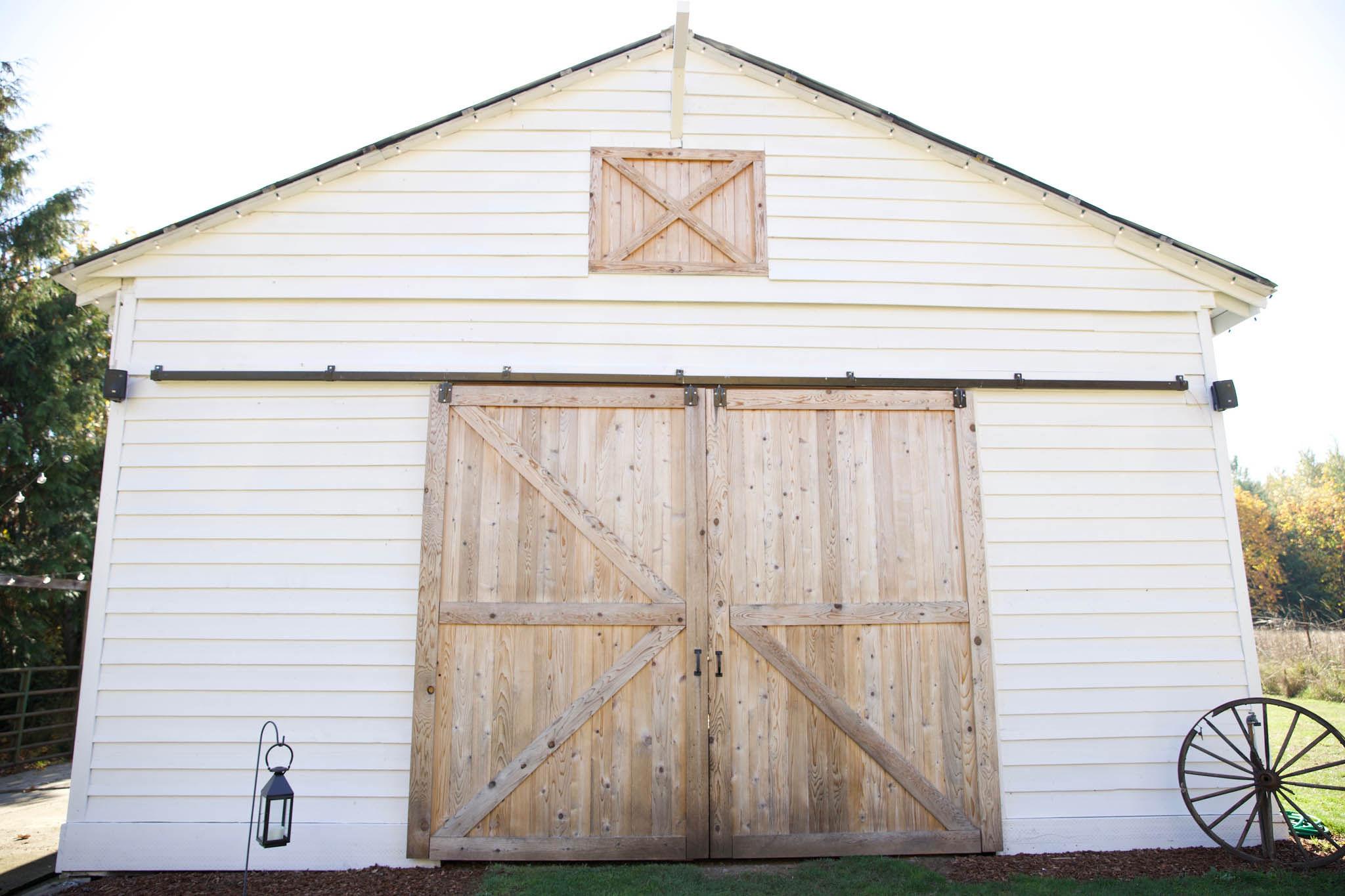 Barn Wedding 2.jpg