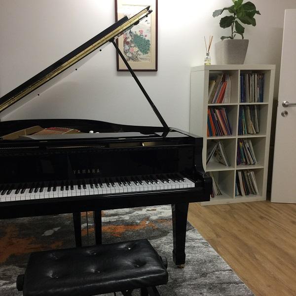 Hire A Room Vincent Music
