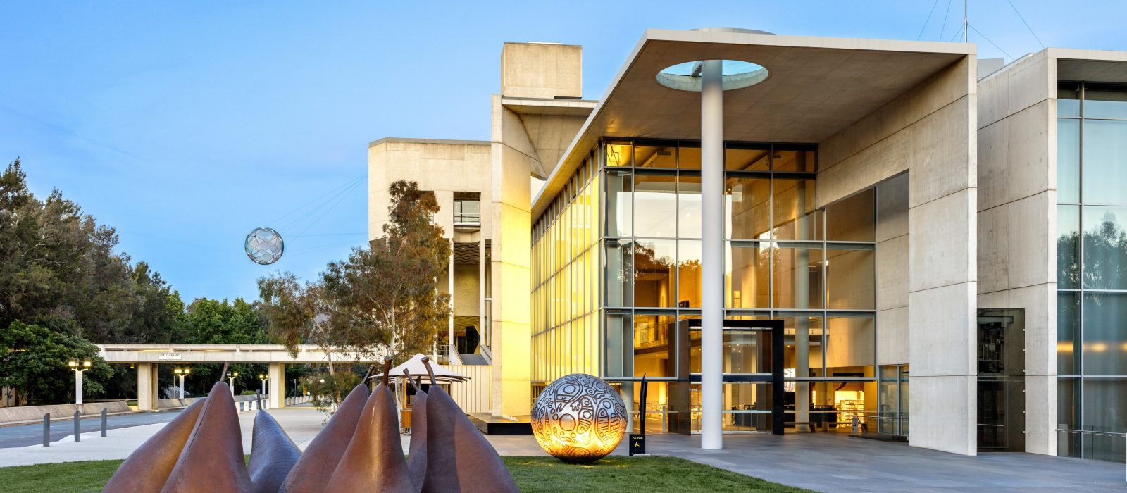 National-Gallery-of-Australia-front-entrance-1-1600x700-c-center.jpg