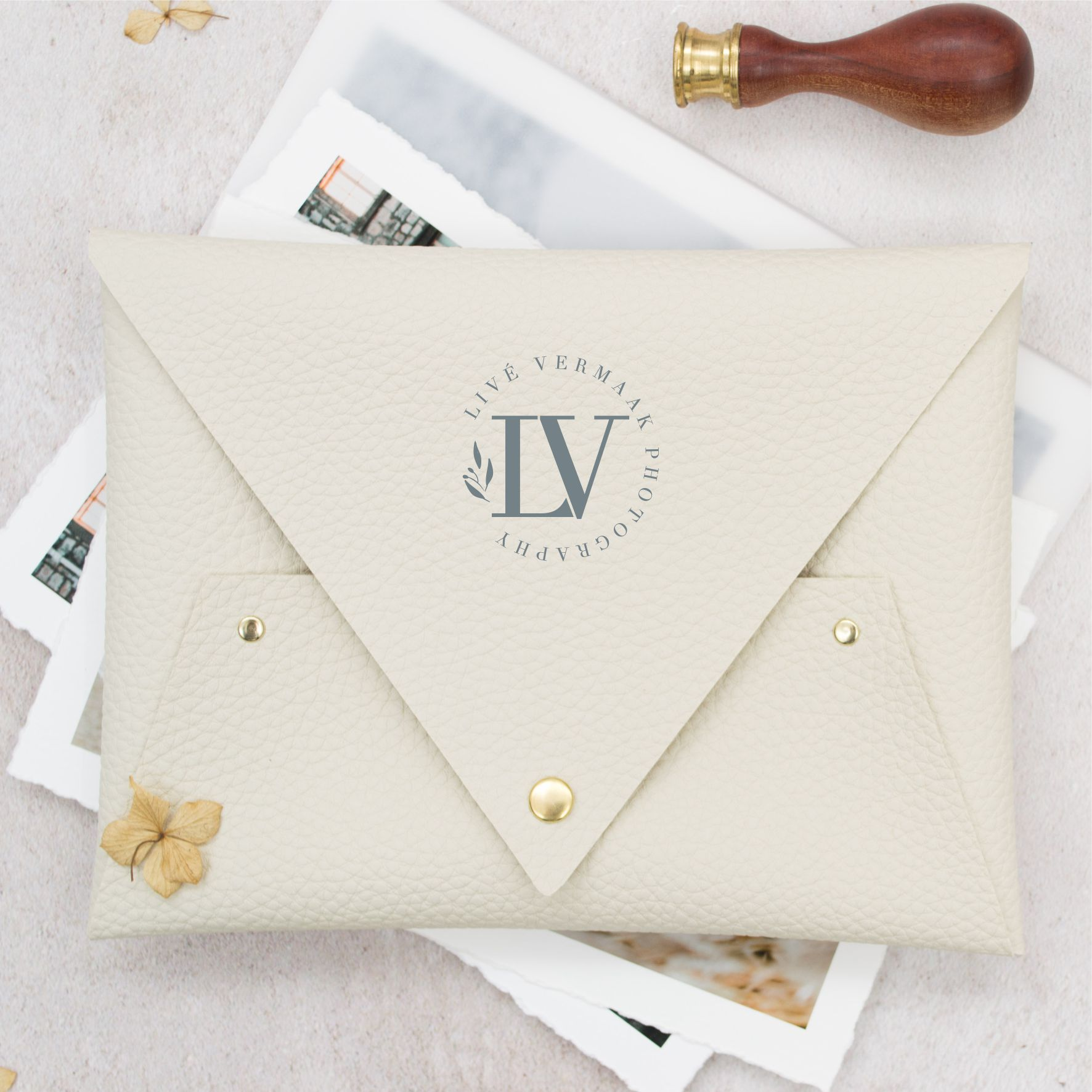 Molly_And_Tom_Print_Pouch_Cream_Fine_art_Photography_Wedding_Photography_Packaging.jpg