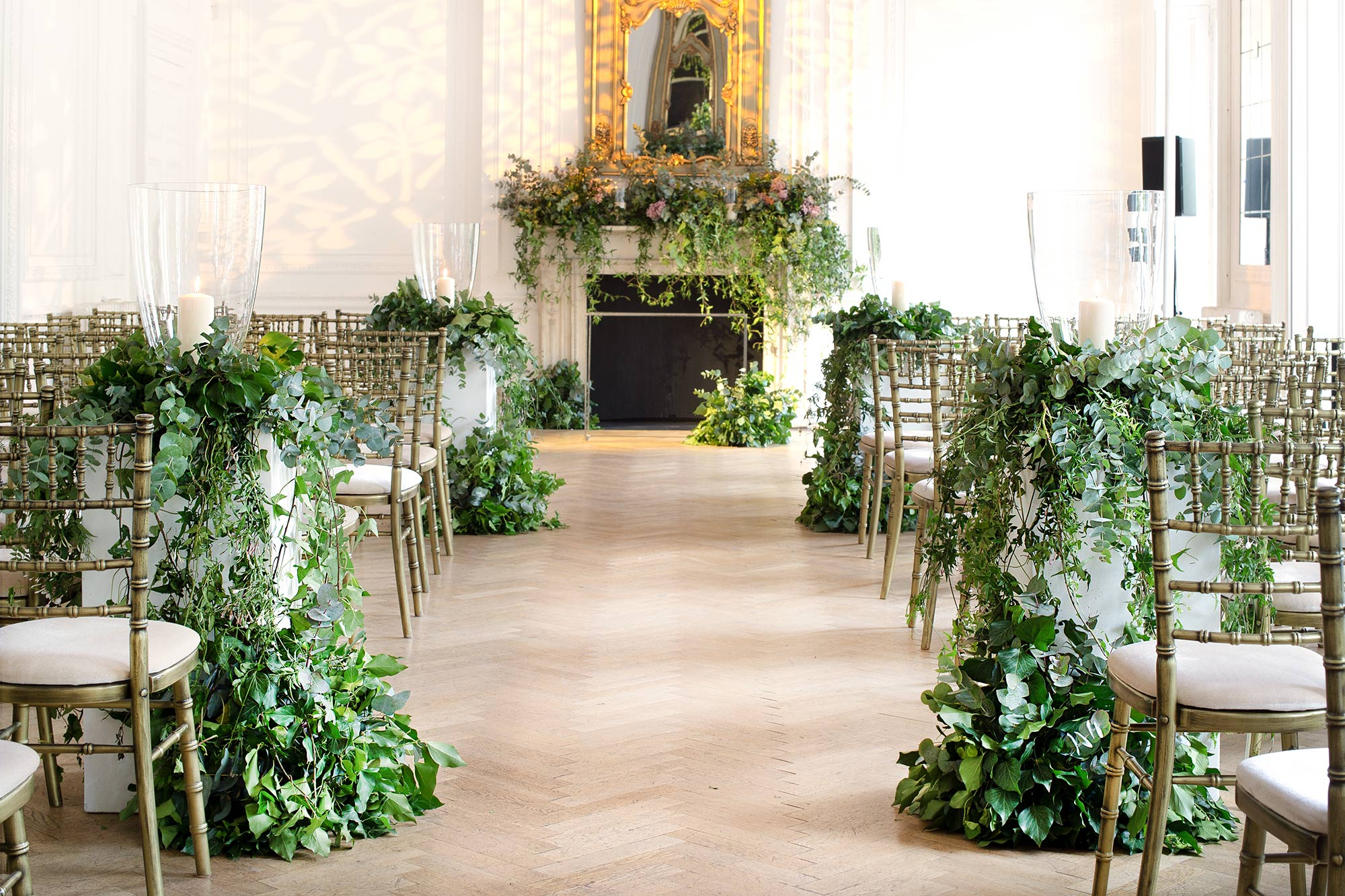 ENGLISH COUNTRY GARDEN TO RICH FLORALS