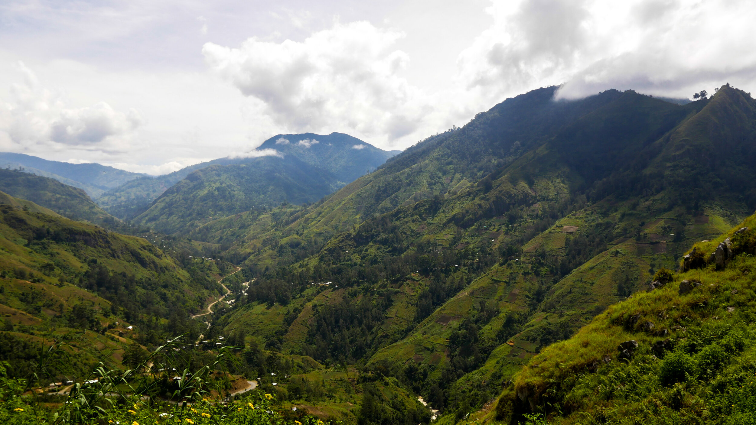 Papua New Guinea's highlands are dramatic and staggeringly beautiful, but present difficult terrain to cover in a wheelchair.