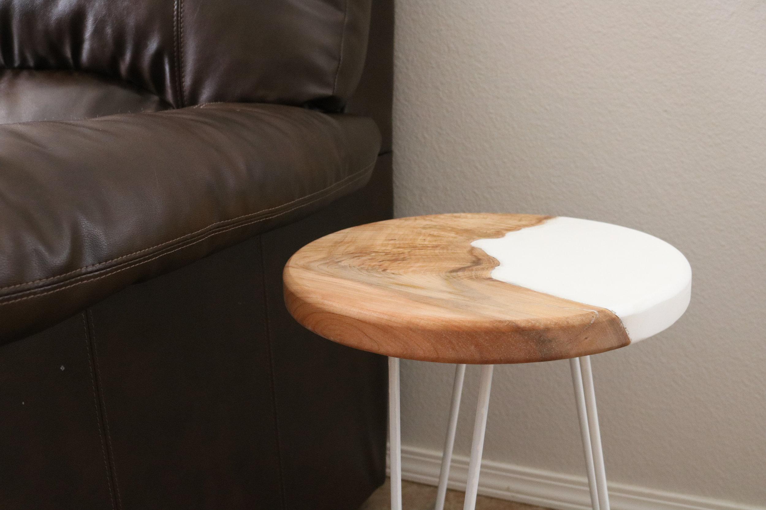 modern-end-table.JPG