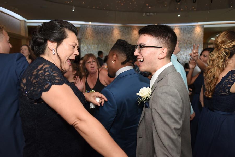 Chesapeake-Inn-Wedding - 0029.jpg