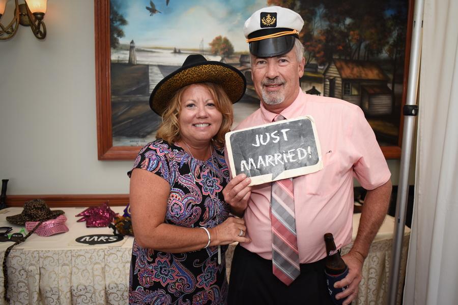 Chesapeake-Inn-Wedding - 0031.jpg