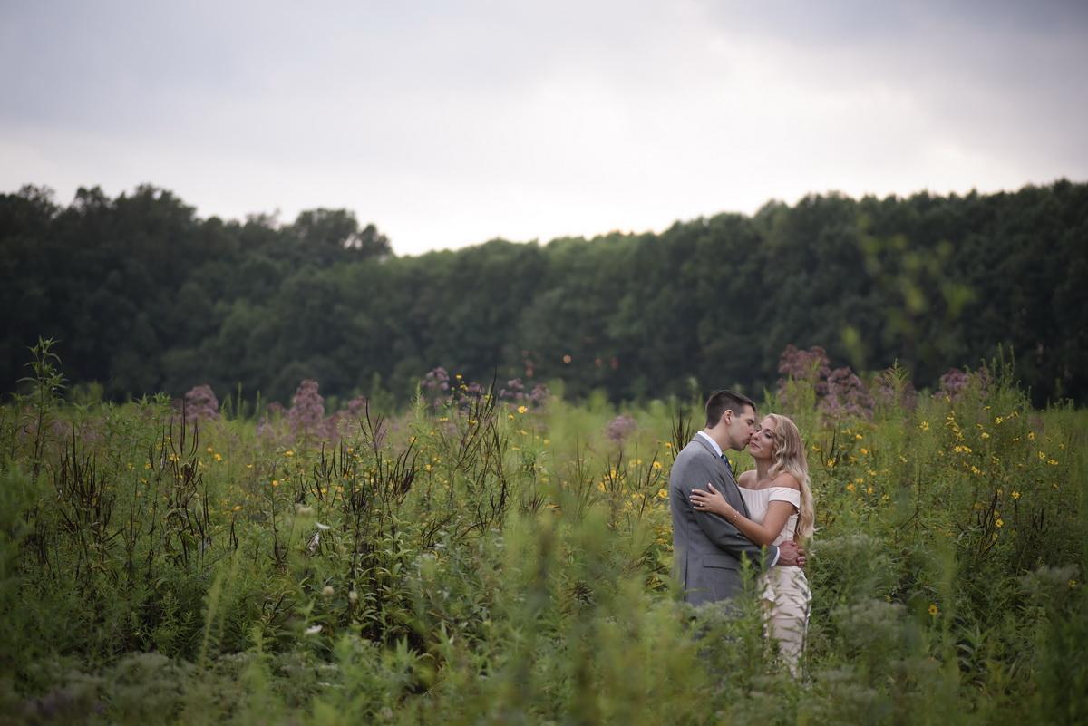 Longwood-gardens-summer-engagement-002.JPG