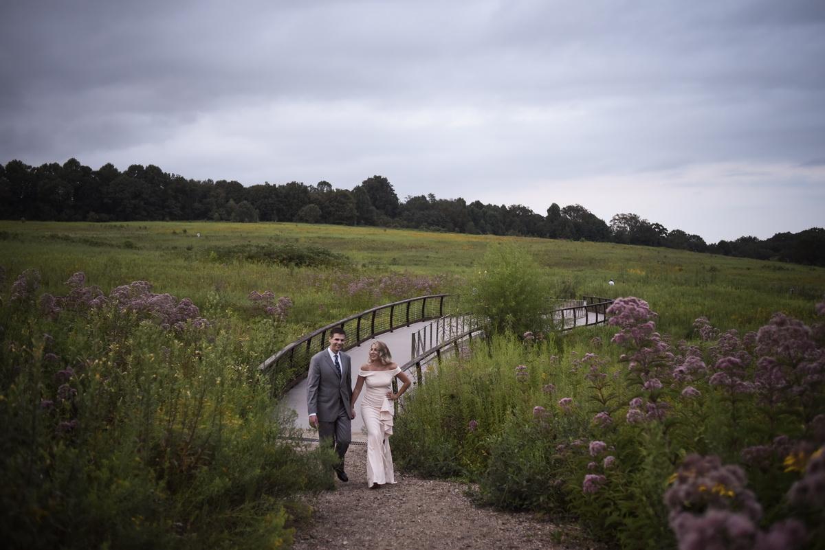 Longwood-gardens-summer-engagement-008.JPG