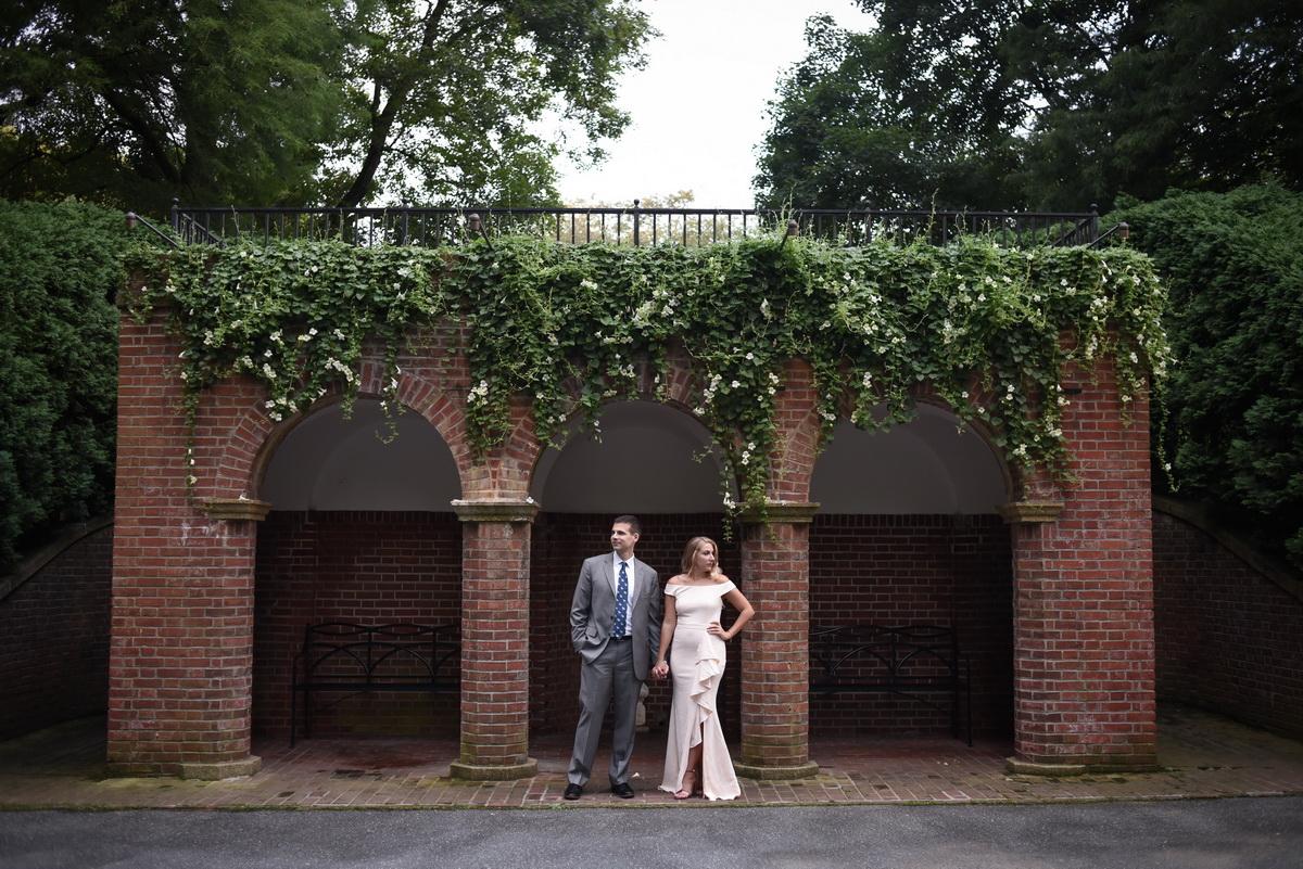 Longwood-gardens-summer-engagement-011.JPG
