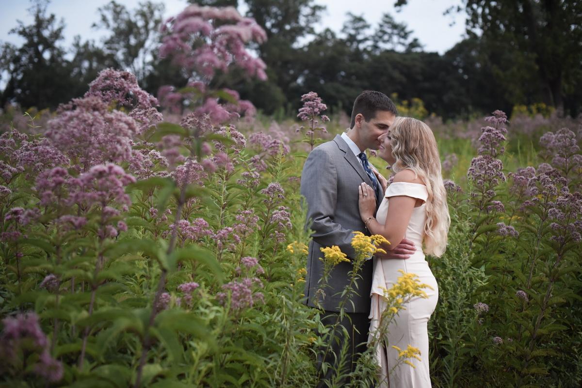 Longwood-gardens-summer-engagement-028.JPG