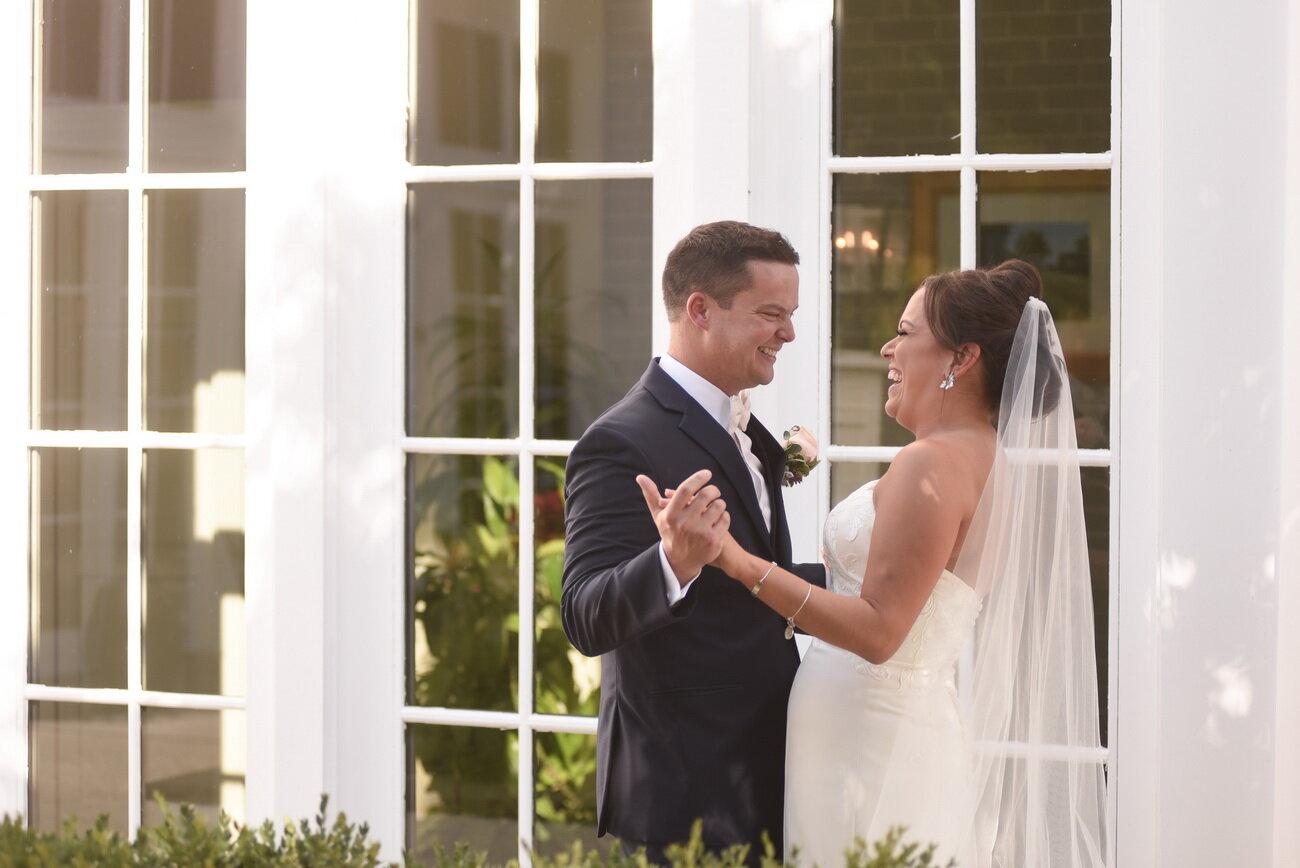 Deerfield-country-club-wedding-delaware-first-look