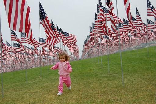 memorial day toddler-508666__340.jpg