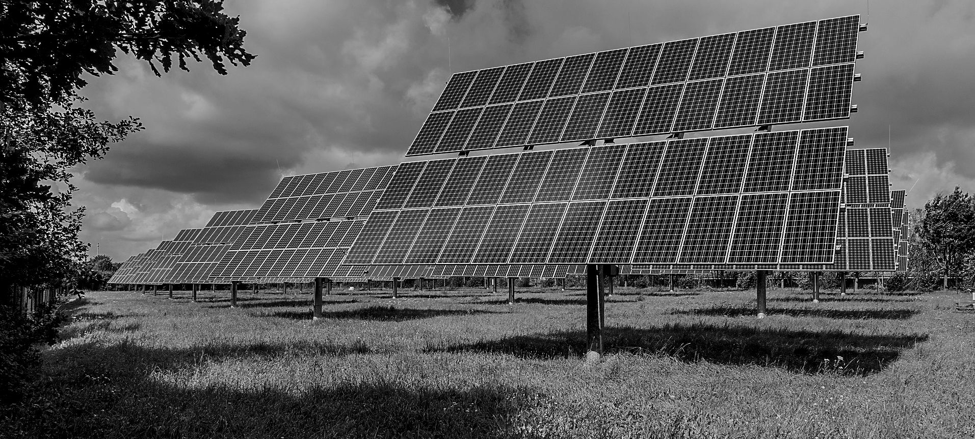 photovoltaic-system-2742302_1920.jpg