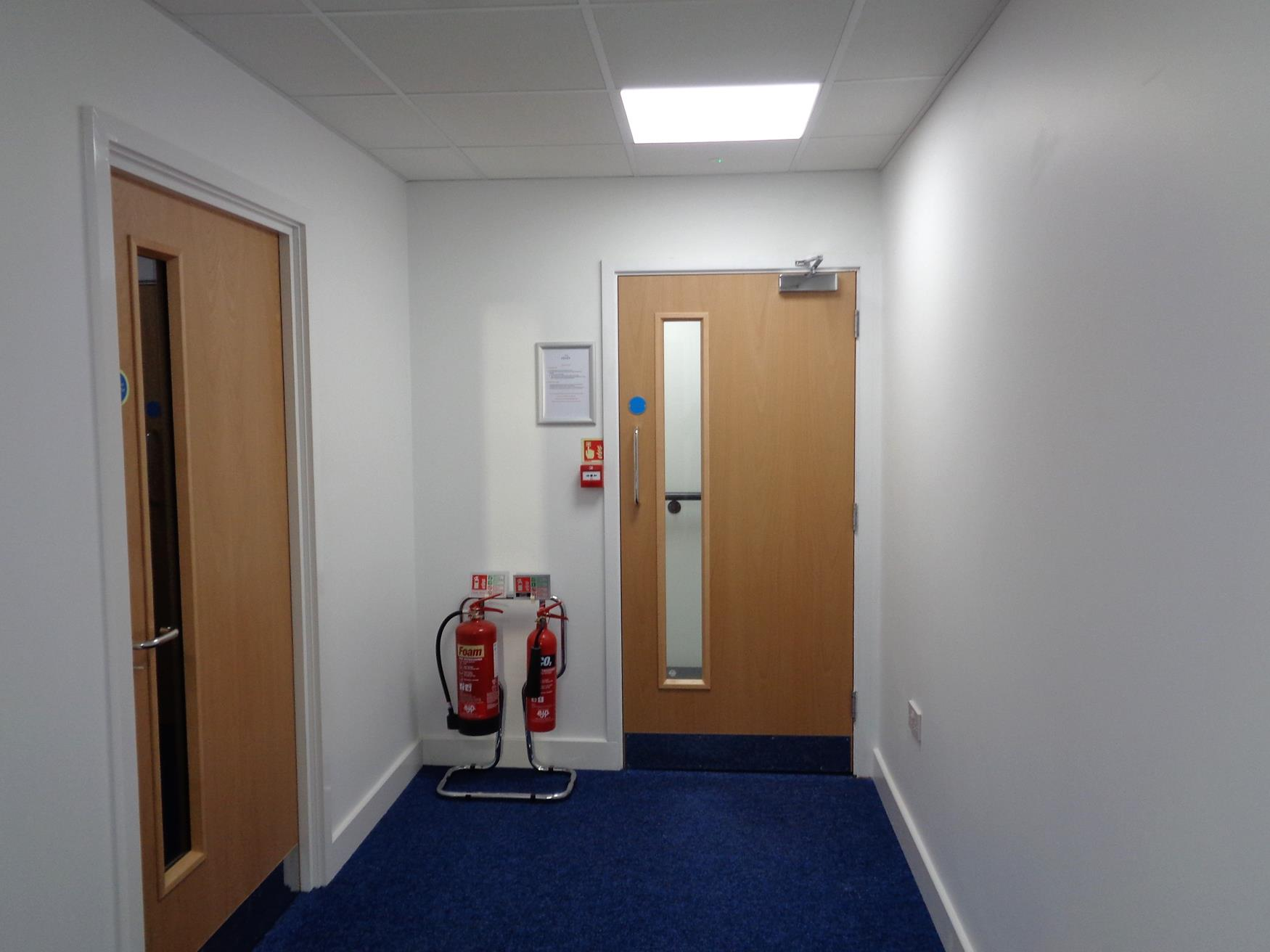 Staff DPA offices and toilets on mezzanine level