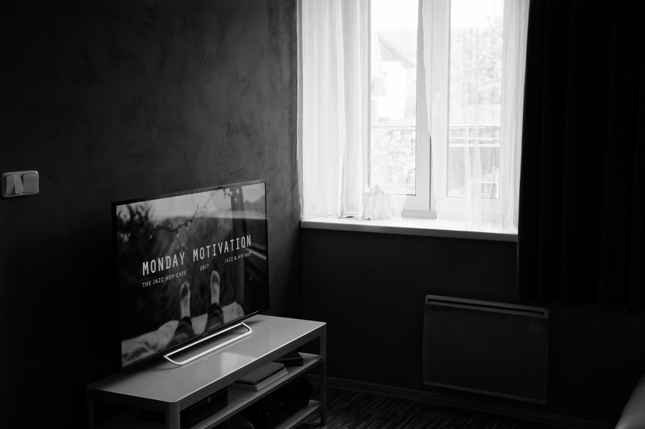 apartment-architecture-bedroom-670246.jpg