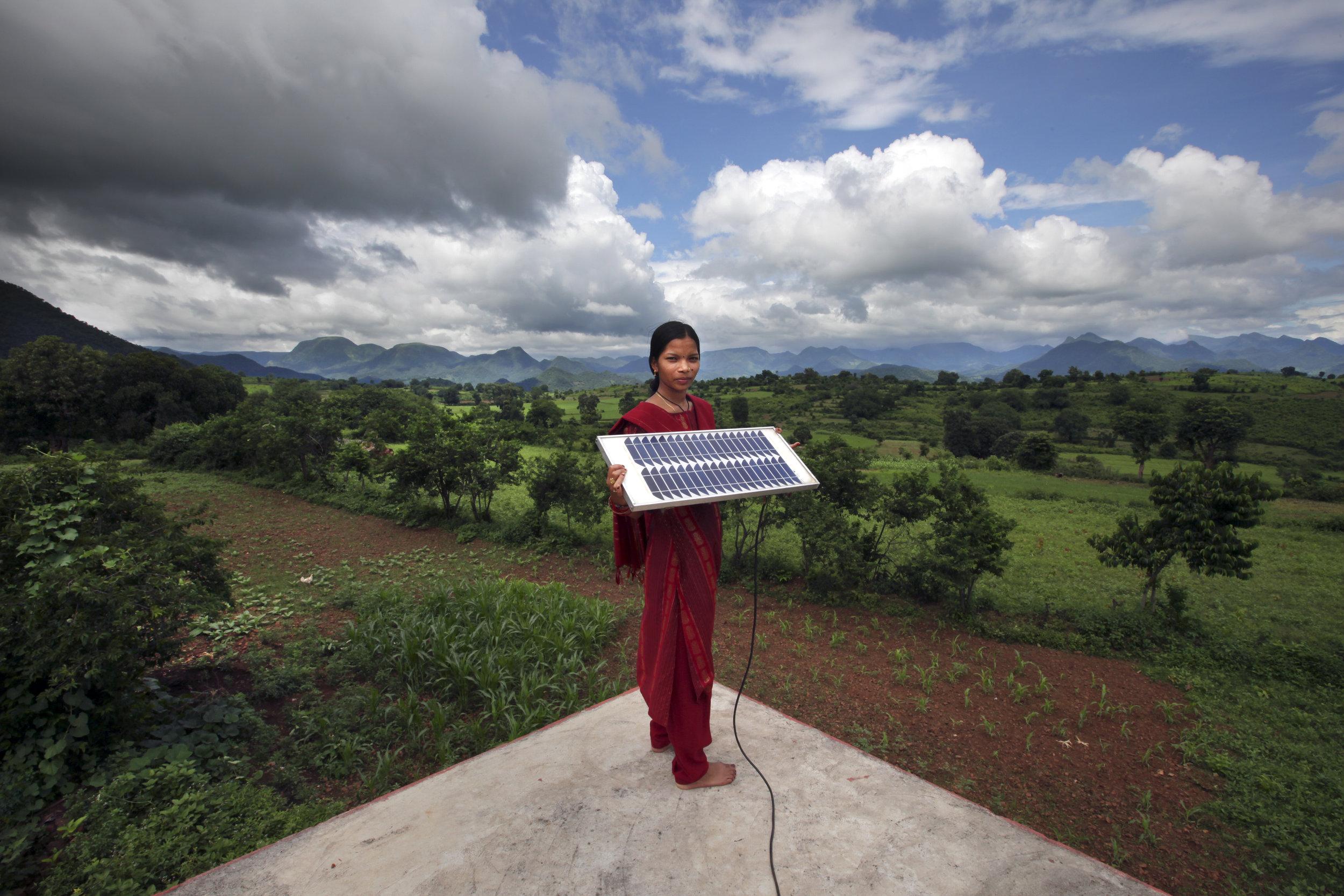 solar-mustcreditAbbieTrayler-Smith.Panos Pictures.DFID.jpg