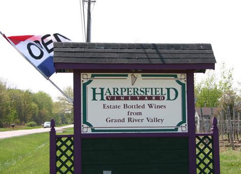 harpersfield-winery.jpg