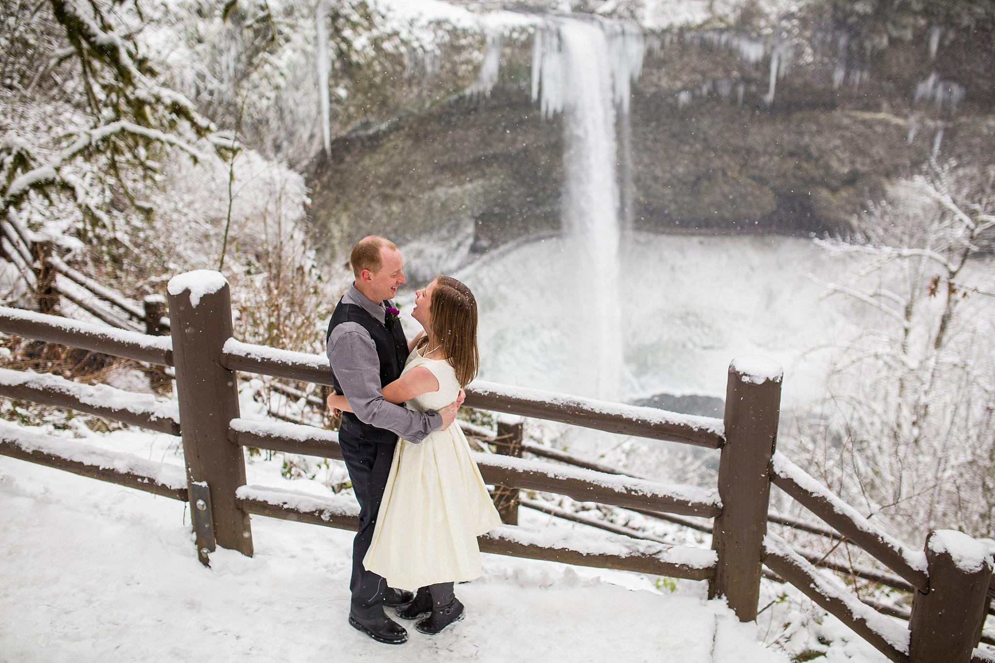 Silver_Falls_Wedding_Photographer_016.jpg