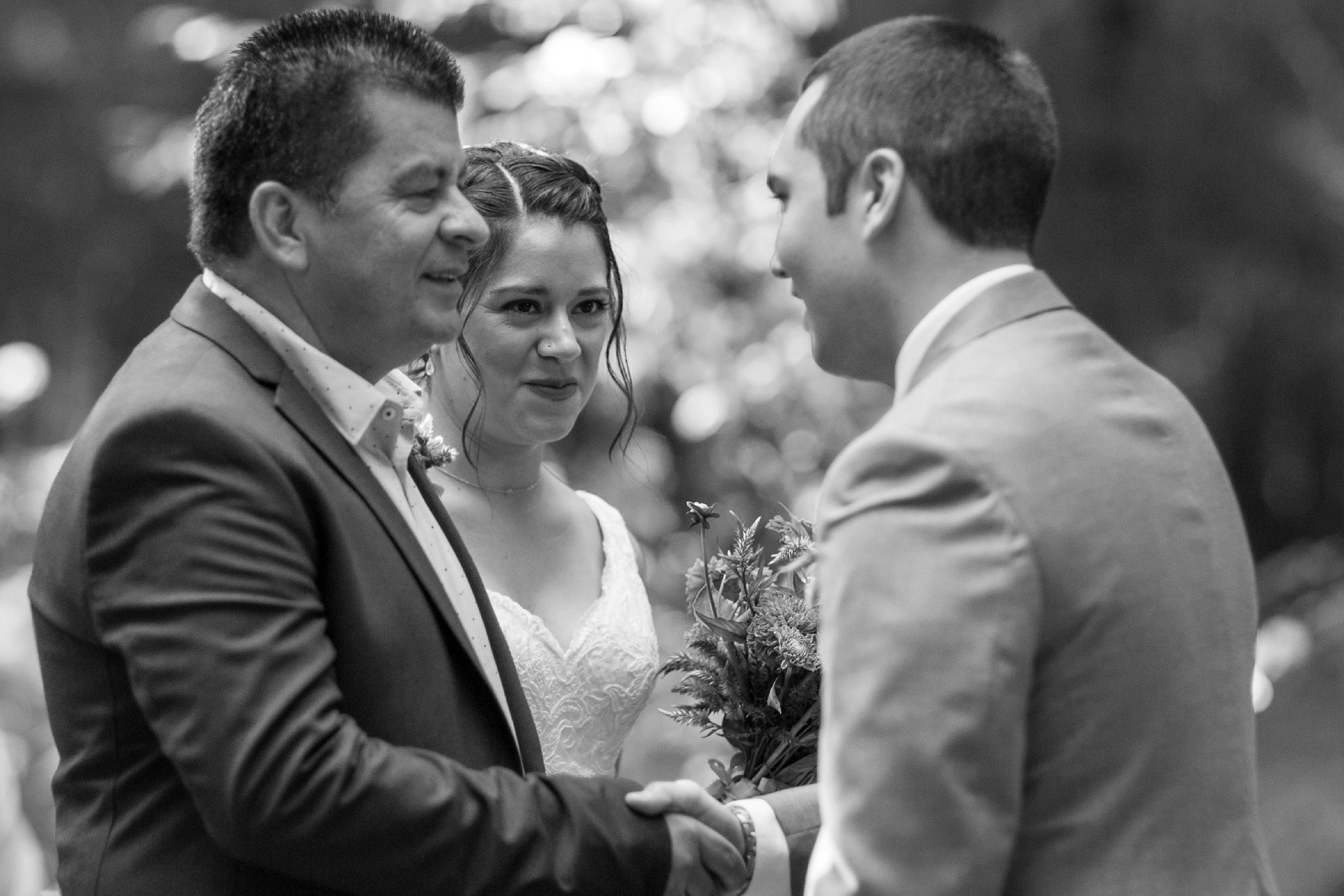 Candid Wedding Photographer Salem Oregon