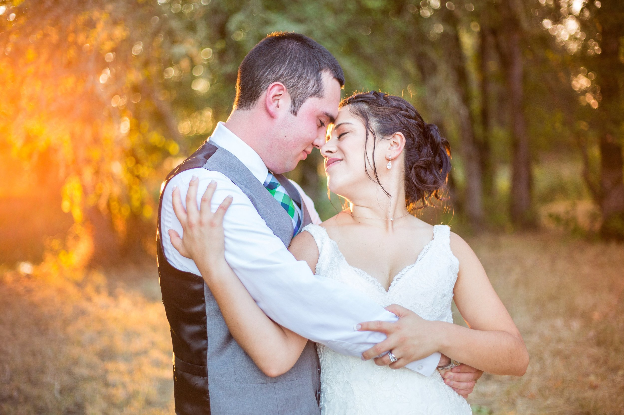 Salem Oregon Candid Wedding Photographer