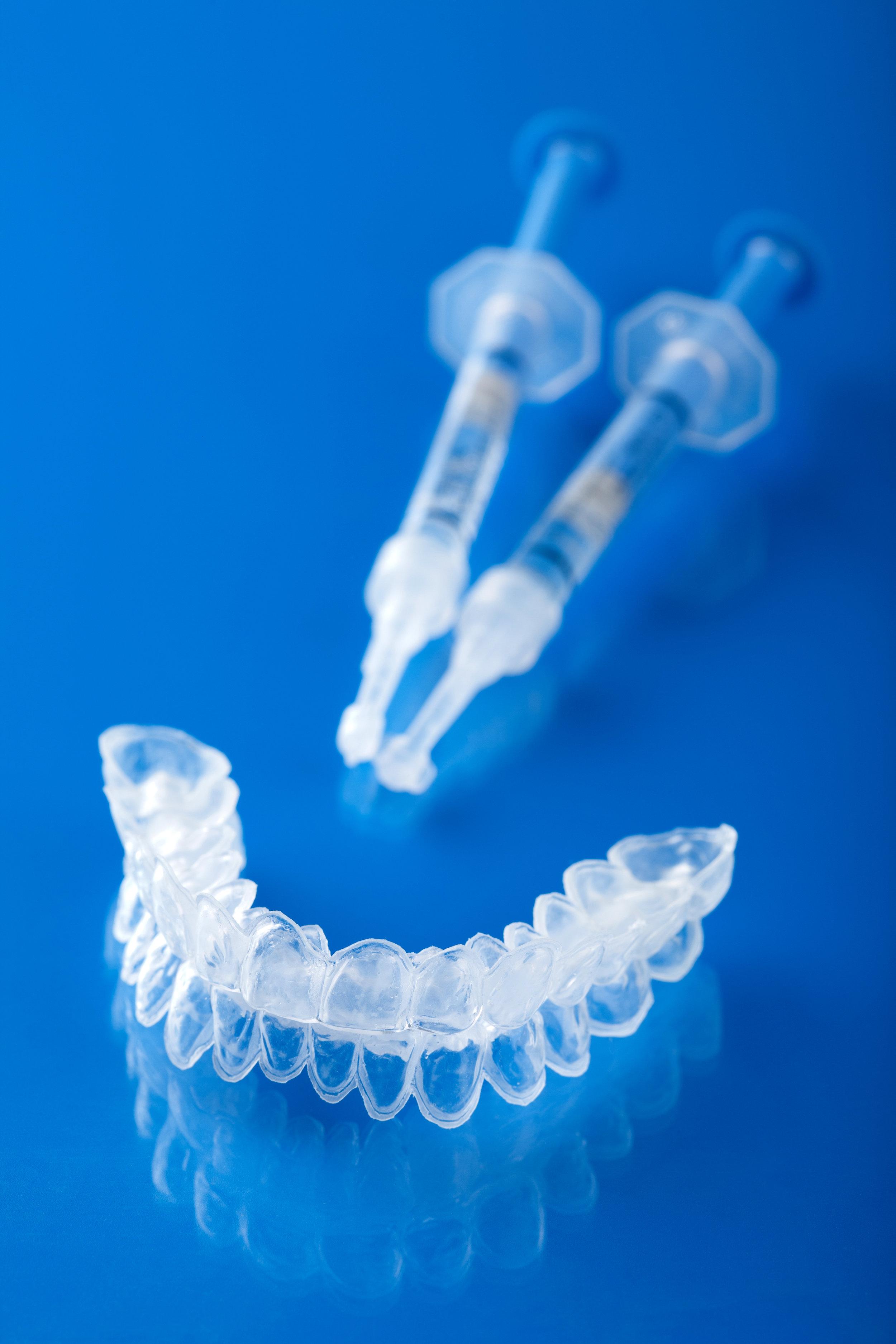 Dantų balinimas: kapos ir prietaisai procedūroms atlikti