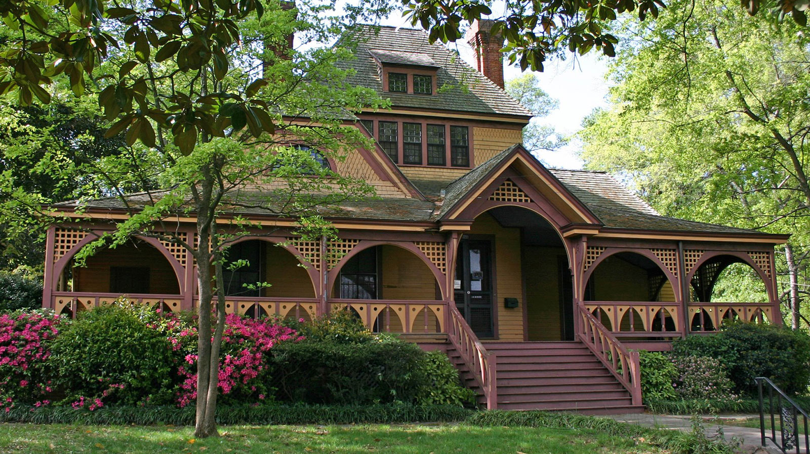 Wren's Nest House Museum   1050 Ralph David Abernathy Blvd. SW, Atlanta 404-753-7735  The 1881 National Historic Landmark home of Joel Chandler Harris, creator of Uncle Remus and chronicler of stories about Br'er Rabbit. Original Harris family furnishings, books, photographs and memorabilia. Guided tours and video.  Hours: Tuesday - Saturday 10:30 am - 2:30 pm Closed Sunday and Monday.  Maximum of 30 people per day and you must specify age range, number of children and number of adults.  Minimum age: 5 years.  You MUST be on time for this venue