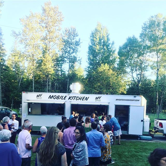 Throwback to last Friday's country wedding🤗 We did a nonstop flow of canapés, food truck dinner service and a full bar set up! #mcgevents #ottawa #ottcity #ottawaevents #ottawatourism #ottawawedding #ottawaweddings #ottawacatering #ottawa #ottawafood #ottawarestos #mycateringgroup #myottawa #ottcity