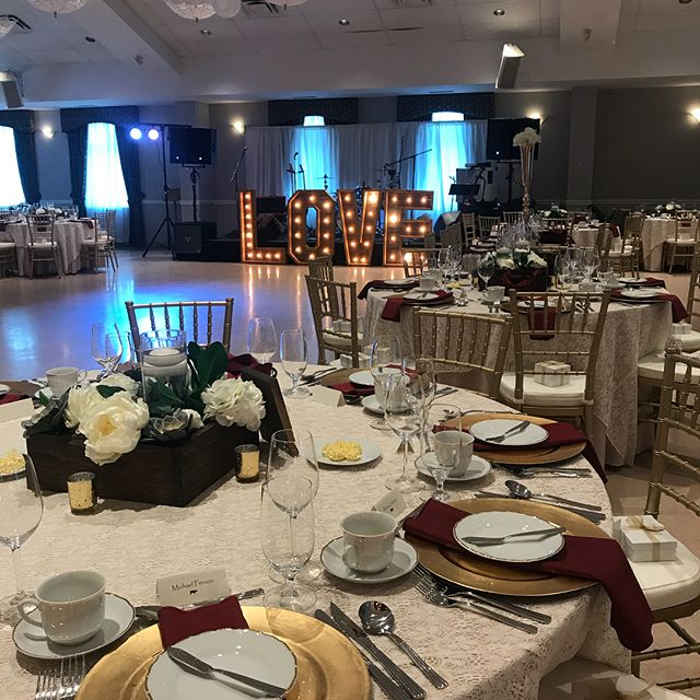 Two wedding are about to go down! 200 people at st Patrick's church and 130 people @ottawarowingclub 💪 #ottawaweddings #ottawaevents #ottawaweddingplanner