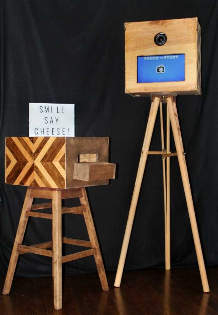 Stand alone photo booth and printer