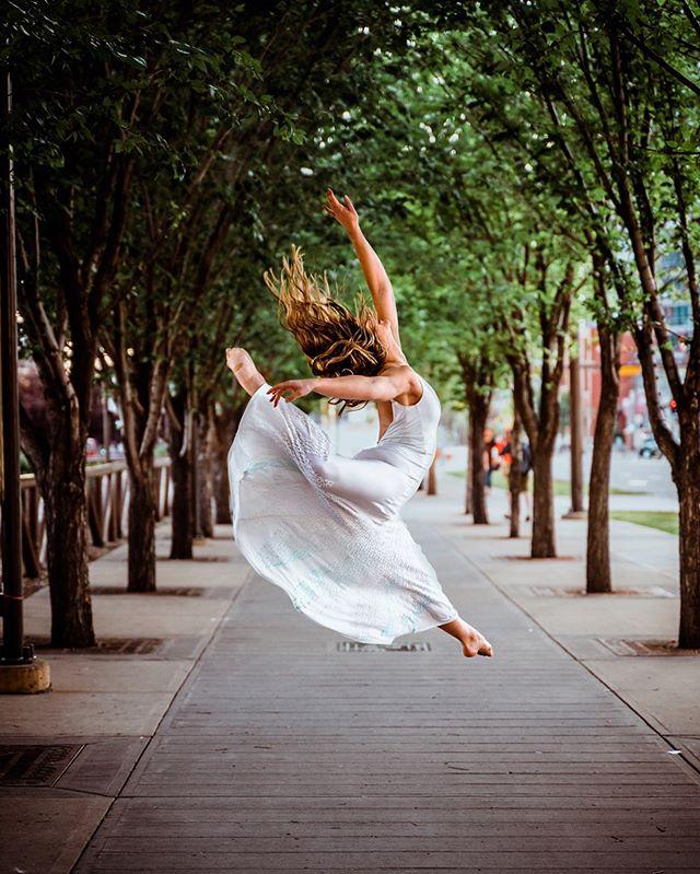 Freedom in the city ↠ A7riii/ 75mm / f2.8 / 1/1250 /ISO 800 ↠ • • • • • #roamcreative #romanceyourwild #socality #travelalberta #photography  #folksoul #roamtheplanet #earthpix #visualsoflife #thevisualscollective #youtube #vlogger #allaboutadventures #visualsofearth #ourplanetdaily #artofvisuals #thatpnwlife #quietthechaos #themountainiscalling #explorecanada #alifealive #northwestcreatives #explorealberta #bealpha #socalitycamp #yycphotographer #yyc #sonyalpha #folkgreen