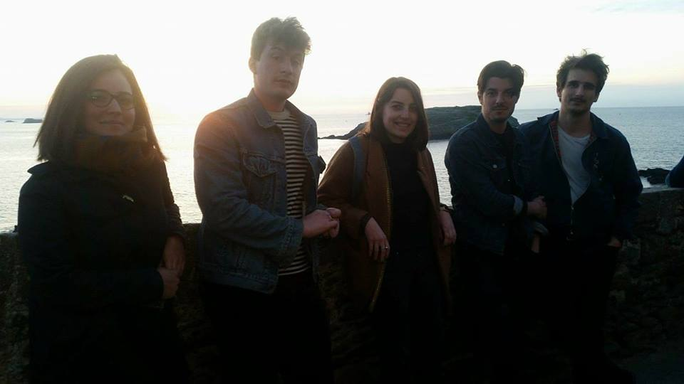 Coast-side with En Attendant Ana; press photo courtesy of the band.