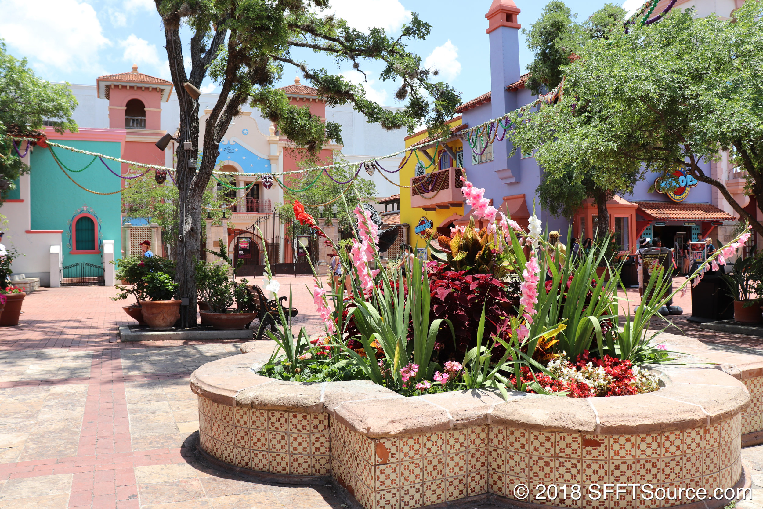Los Festivales is quite a colorful area within the park.