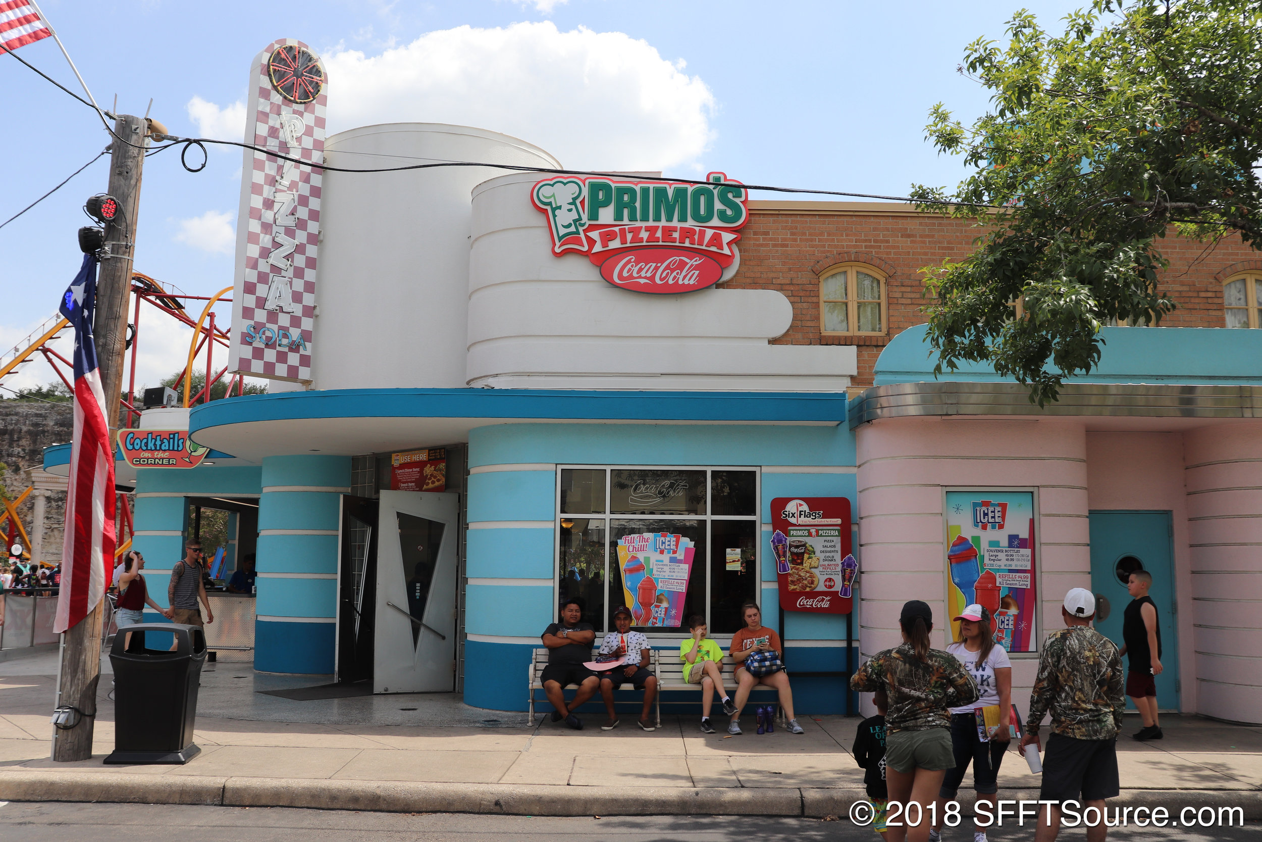 Another look at the exterior of Primo's Pizzeria.