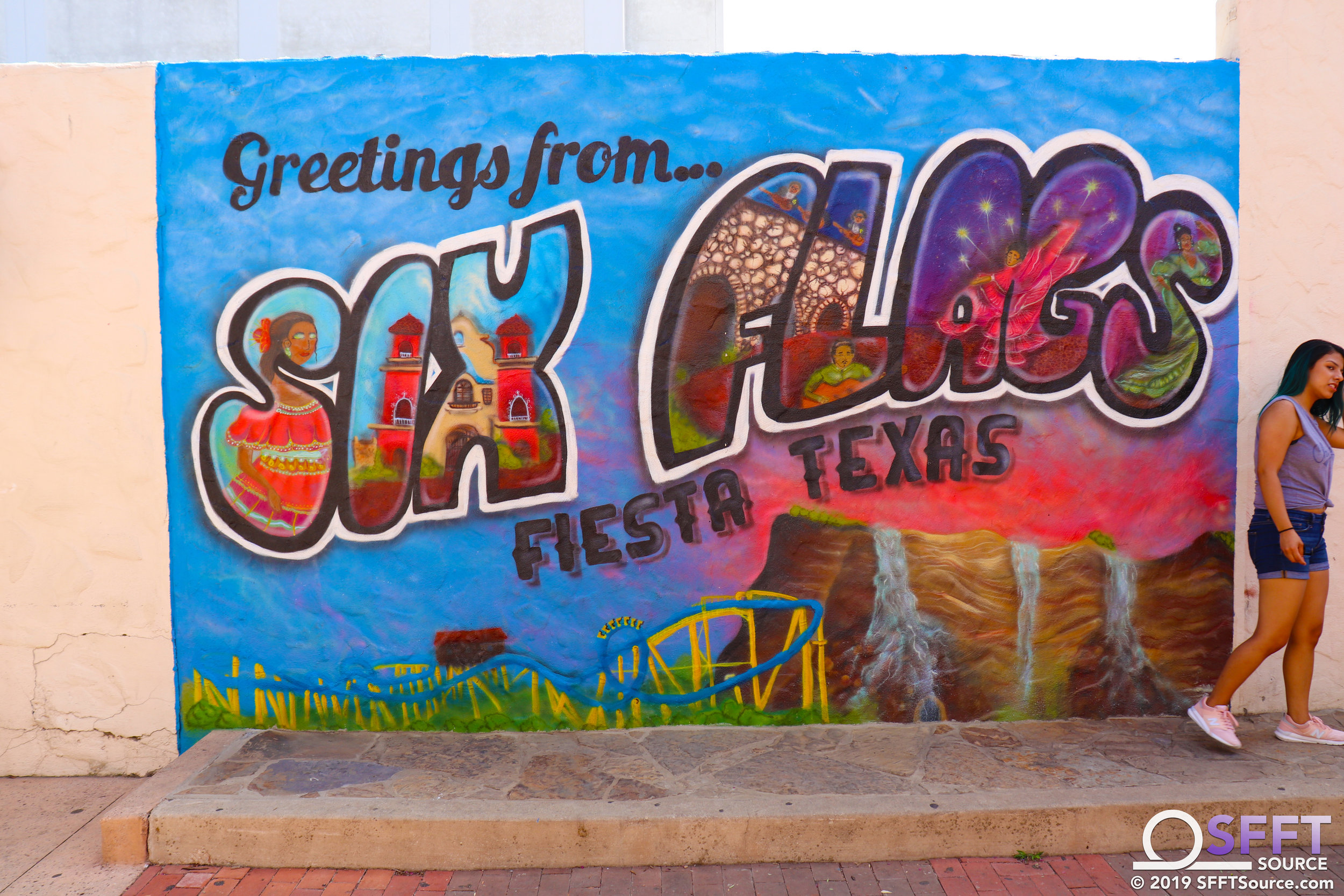 A hand-painted mural was added to Los Festivales in 2019.